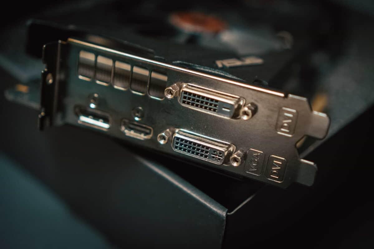 HDMI & VGA Port
